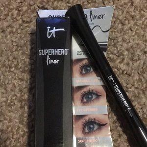 IT Superhero Liner in Super Black